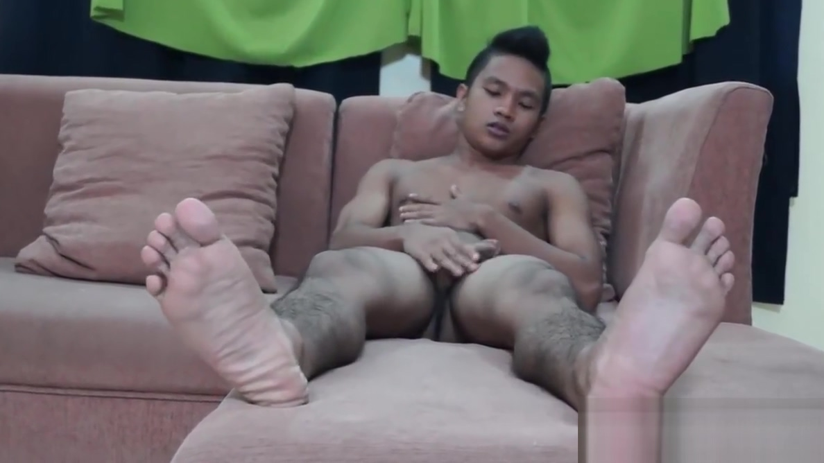 Asian Foot Fetish Boy Nikos Jacking Off Craigslist london w4m
