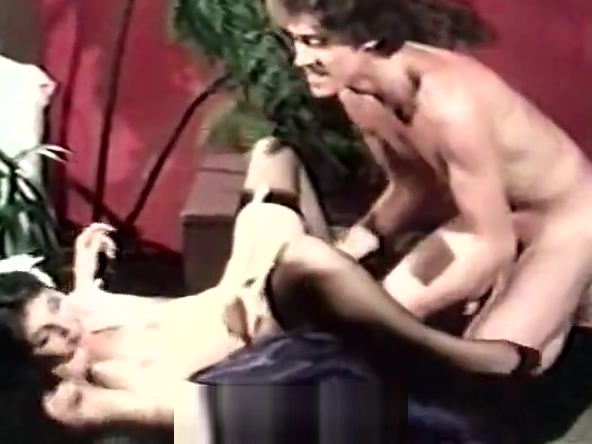Deep Blowjob in Photo Studio (1970s Vintage)
