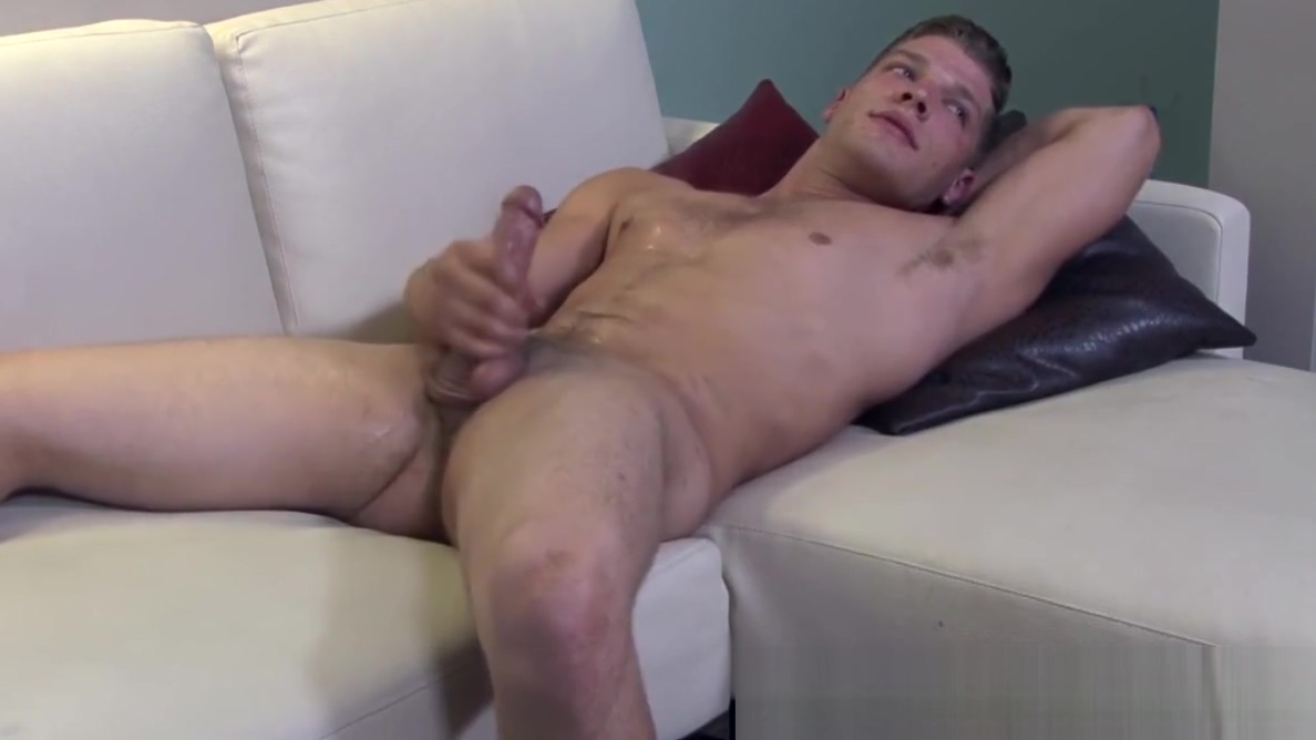 Soldier stud jerking his cock before cumshot Android mobile football games download