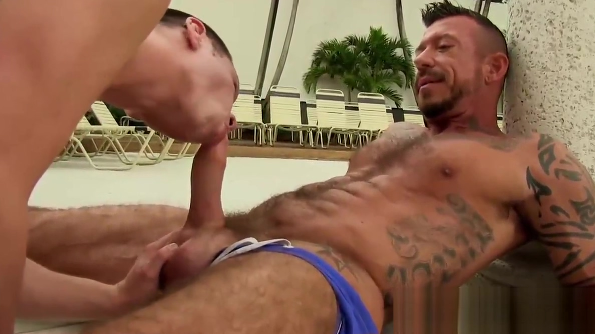 Rough and muscular daddy Ray Dalton fucks sexy Colton Suede Do married men flirt