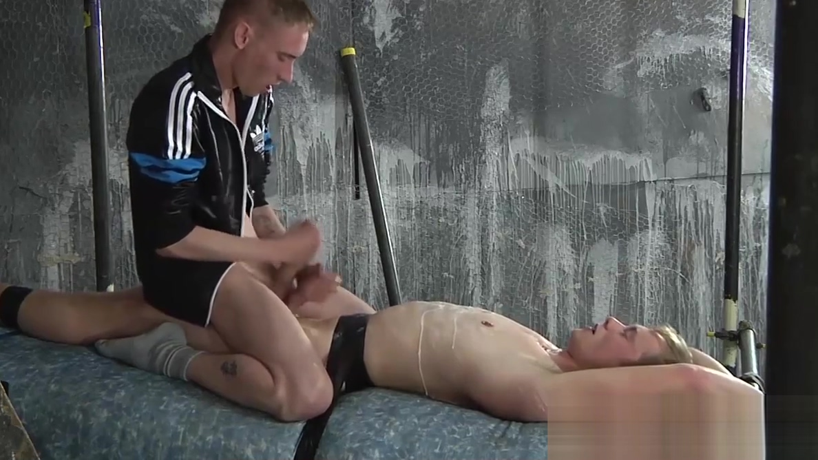 Nicki Smiles was stripped and bound for an amazing handjob Gianna Shows How To Get Sexy On A Huge Cock