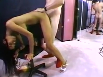 Jamaican beauty with juicy ass gets rammed on rolling office chair Throat fuck trailer
