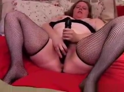 Sexy BBW amateur in fishnet stockings has a nice big clit sexy sol cal val