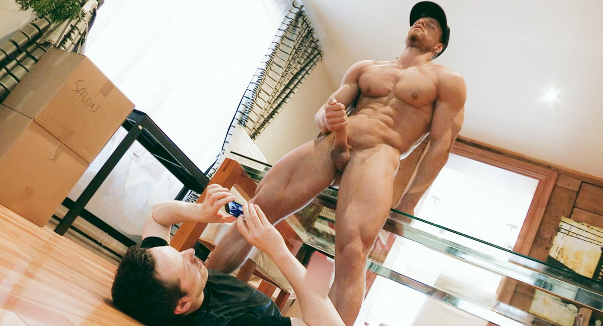 Pascal & Brad in Moving Muscles BTS, Scene #01 - MaskUrbate She's a proud stepparent