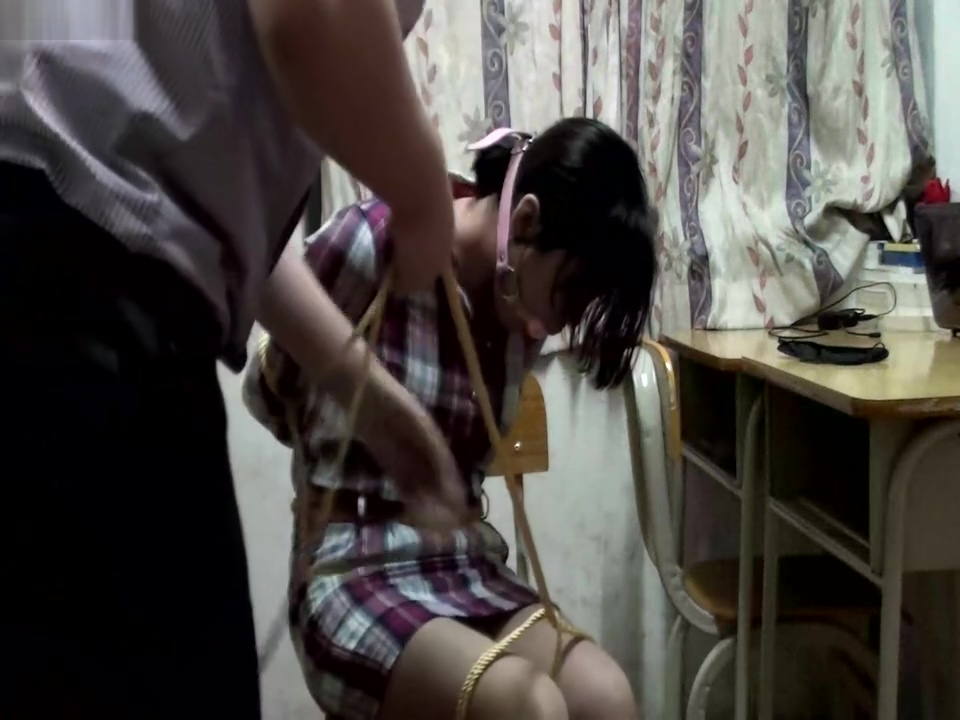 Chinese rope tied and ballgagged Big wide ass wife pics