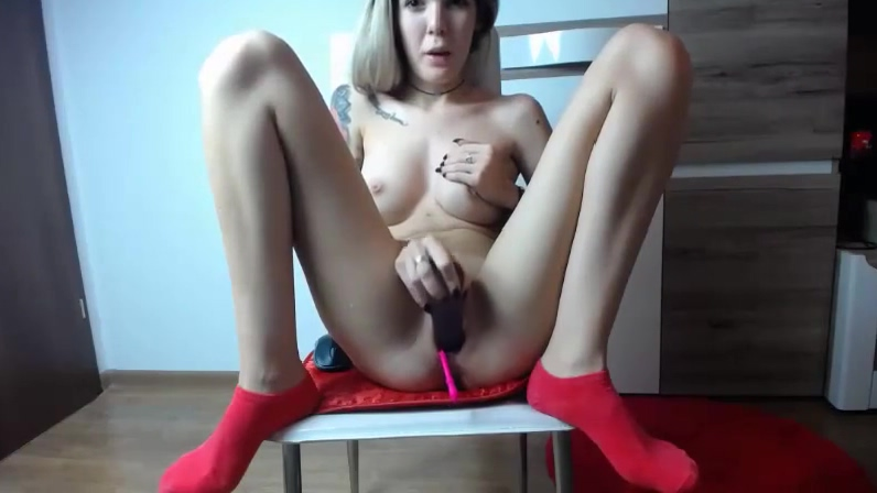 american cam-bitch on a chair