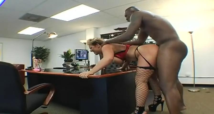 толстой видео секс в офисе справиться контрактом
