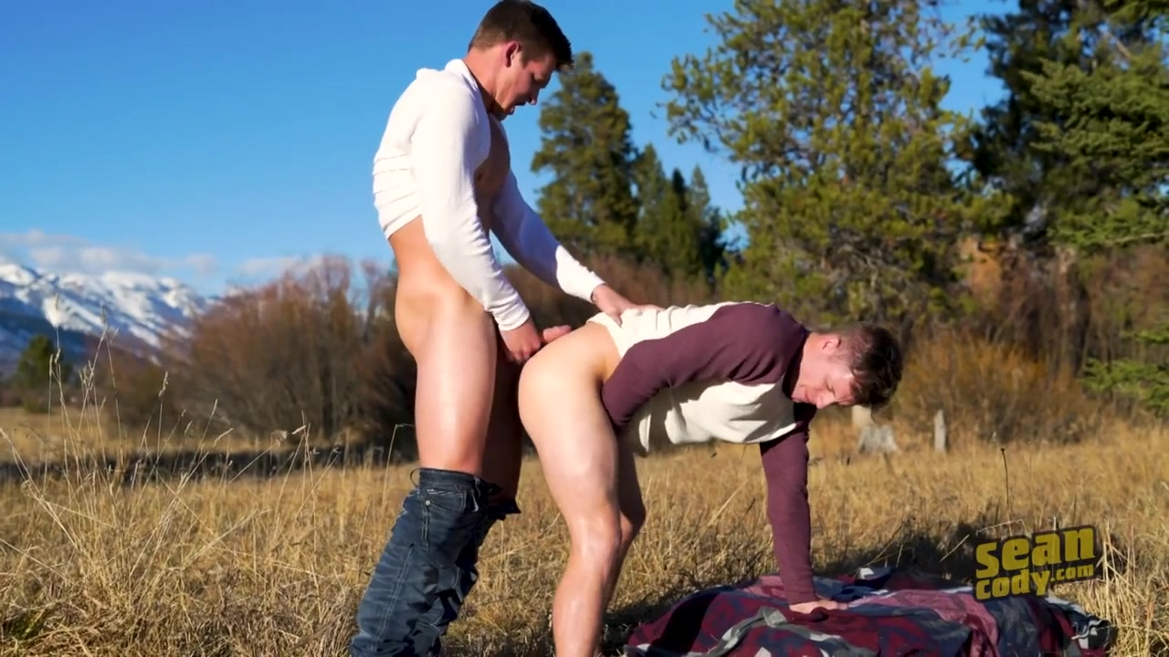 Wyoming Getaway: Part 3 - SeanCody Signs she wants to hook up