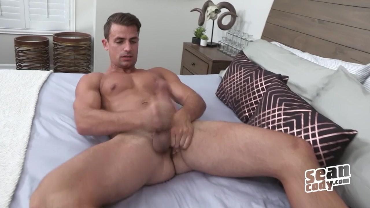 Malcolm - SeanCody Lesbian molf