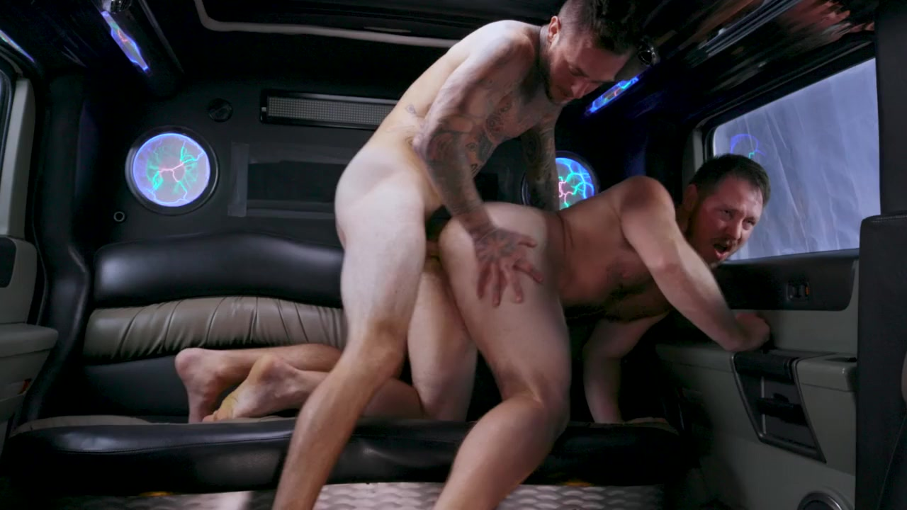 Spencer Whitman & Brian Michaels in Stretch Me Bro - BROMO cum in the mouth creampie