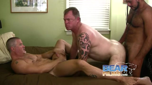 Alex Powers, Brock Lucas and Marco Bolt - BearFilms Should i give up on hookup
