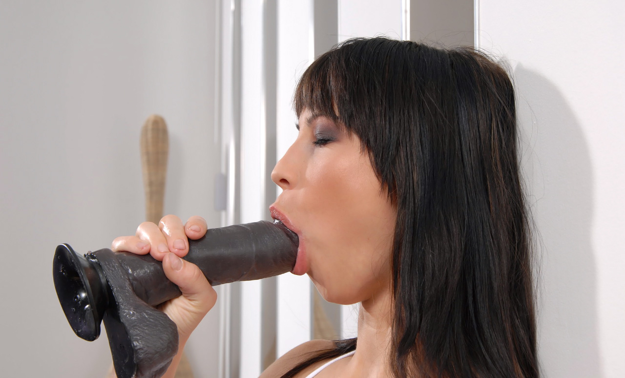 Sonia in Black Sonia - WetAndPuffy Fre Porn Vidoes