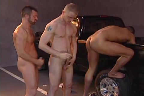 Three-way: Lars Svensen, Rodrigo de Leon Dillon Buck Teen cock ride gif