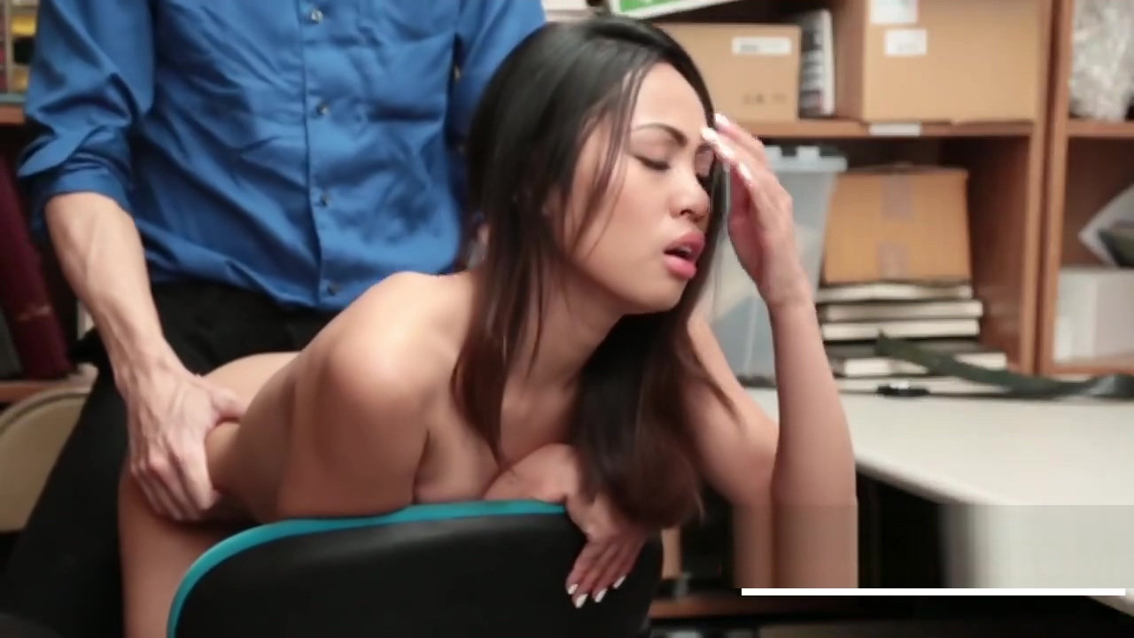 Adorable latina babe has to fuck guard The legend of zelda sexy