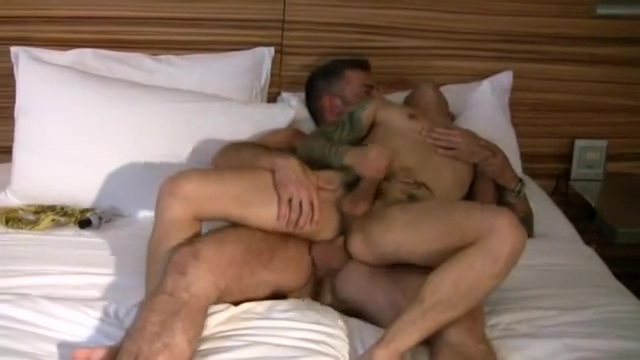 Threesome - Bear - Tattoo Anita queen interracial