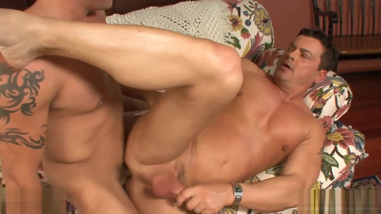 Hot bodied married guy gets fucked by a horny gay Naked gay sumo wrestlers