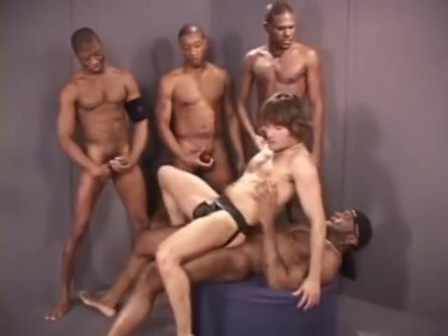 Jeff Palmer follado por 4 negros Red hot tits
