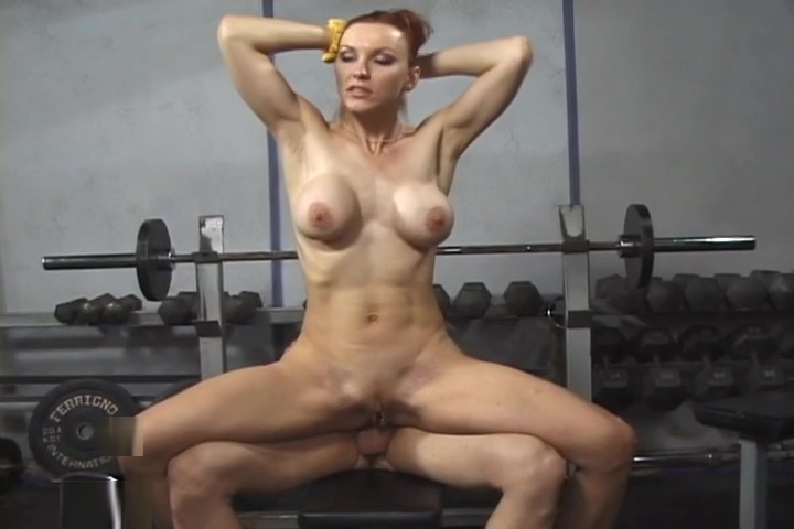 Redhead Kelly Steele Gets A Sweaty DP Workout