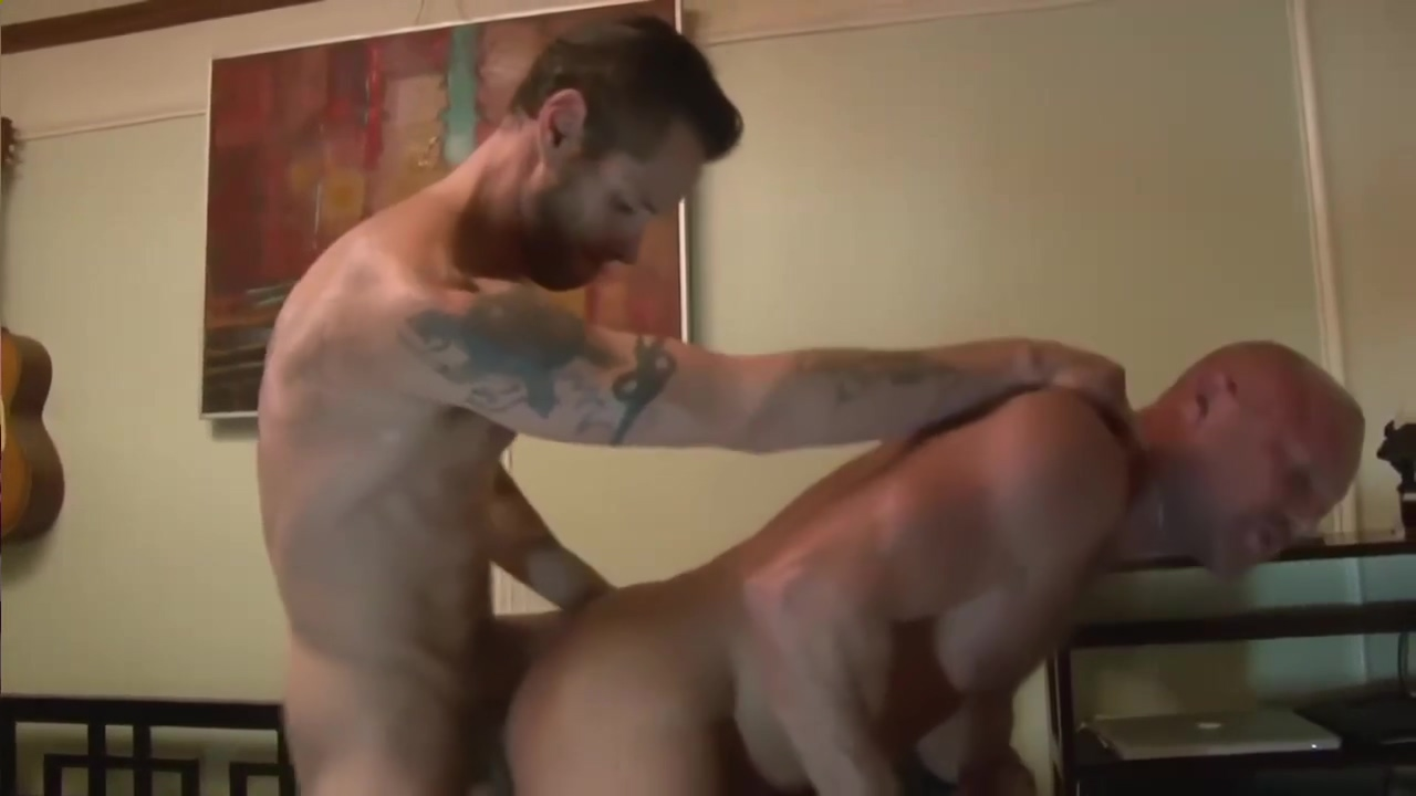 Hog ride and Fuck Video seks family