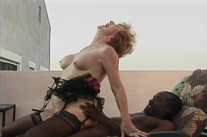 Mature Diane Richards Gets Humped Doggystyle By The Pool Twinks in femdom