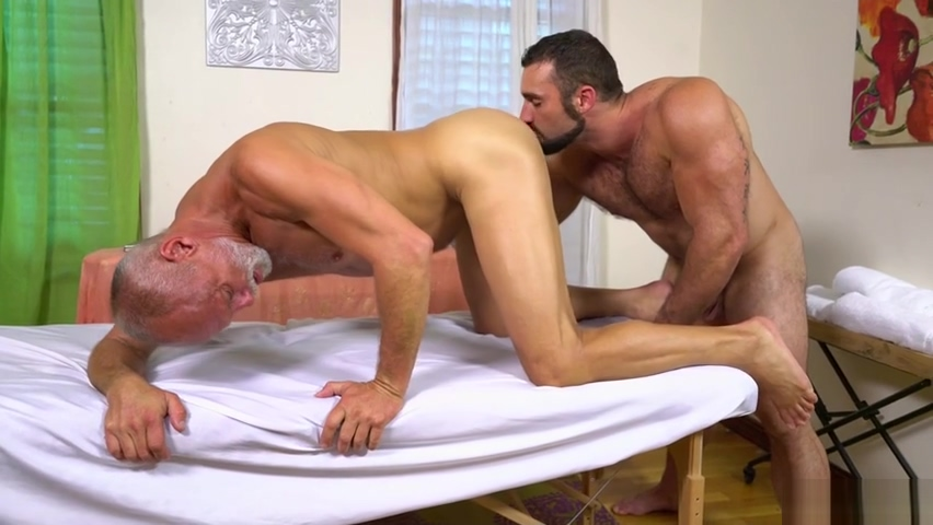 JAXTON WHEELER & MAX STARK - IM Naked shaved girls
