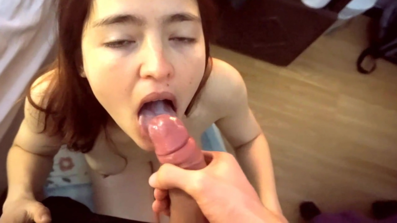 Deep Throat. My girlfriend wakes up wanting to suck my big cock and I leave her cute mouth full of cum Tram pararam family