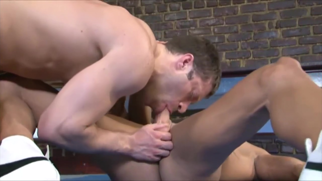 Locker room sex gorgeous shemal self cumshot