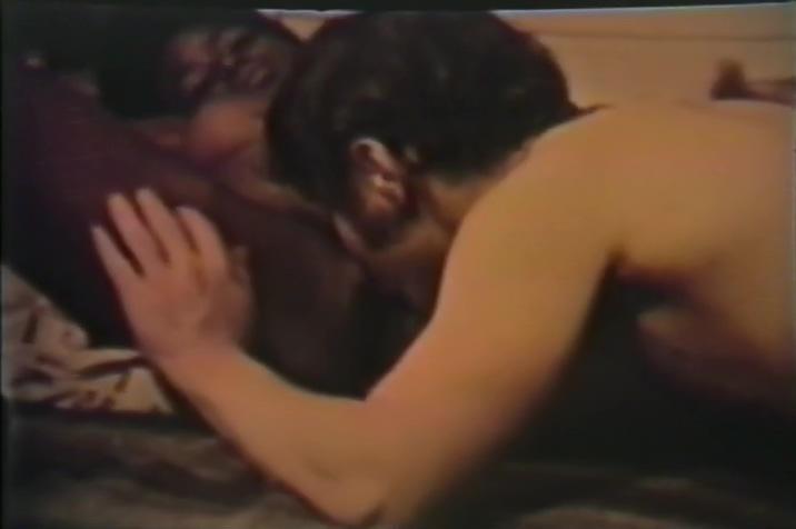 Ebony Slut Fucked By Huge White Cock Nude pussy close up
