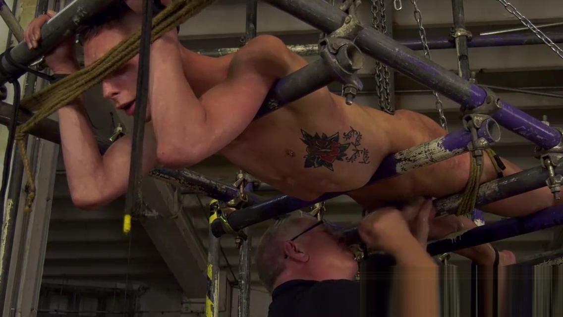 Max London receives massage and handjob from mature master eros escort island long