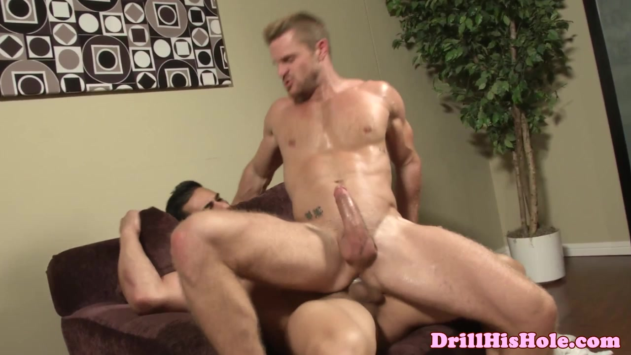 Muscle dominating his bottom with assfucking 23 year old man dating 33 year old woman