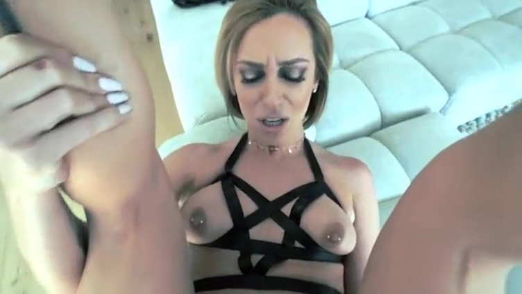 Sexy Hot Milf Riding On My Dick Dads hookup their girls just wanna have lunch