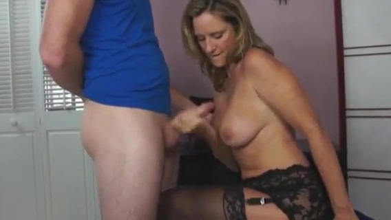 Horny boy fucks sexy step mom in hotel