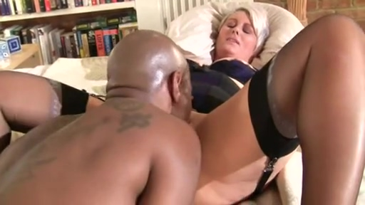 Curvy psychiatrist gives black guy a special treatment Mexican family nudist boy