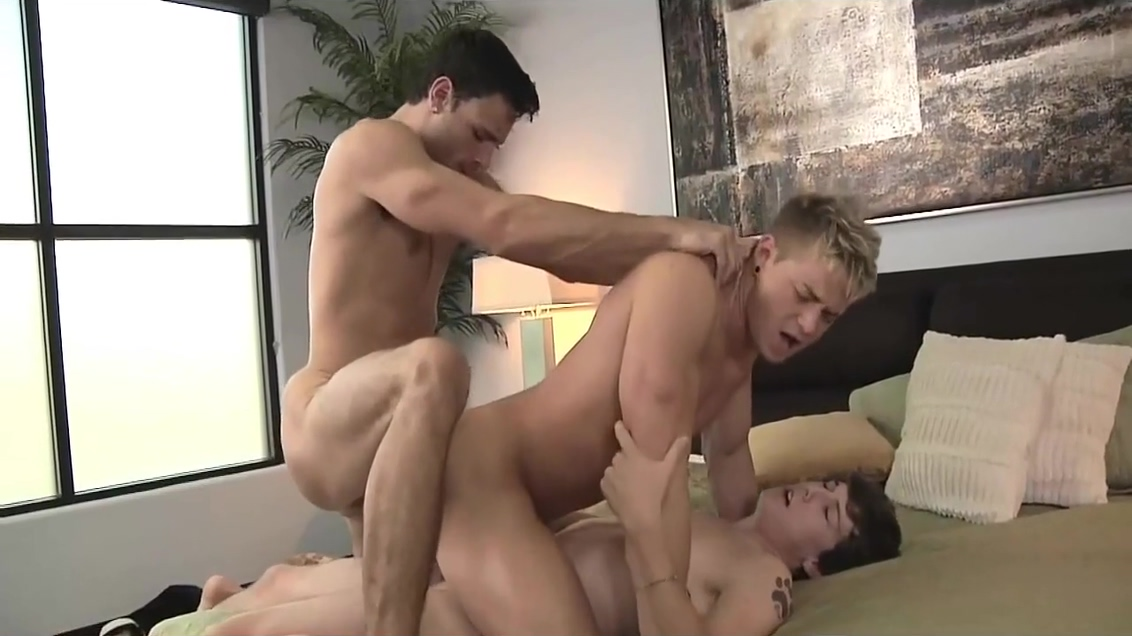 Dos Son Mejor Que Una_720p threesome and she licks them both clean