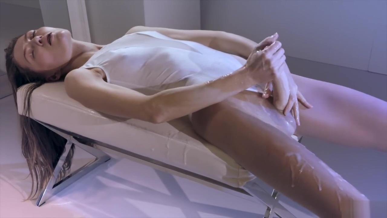 Strapless Dildo 141 Women strip naked in public pics