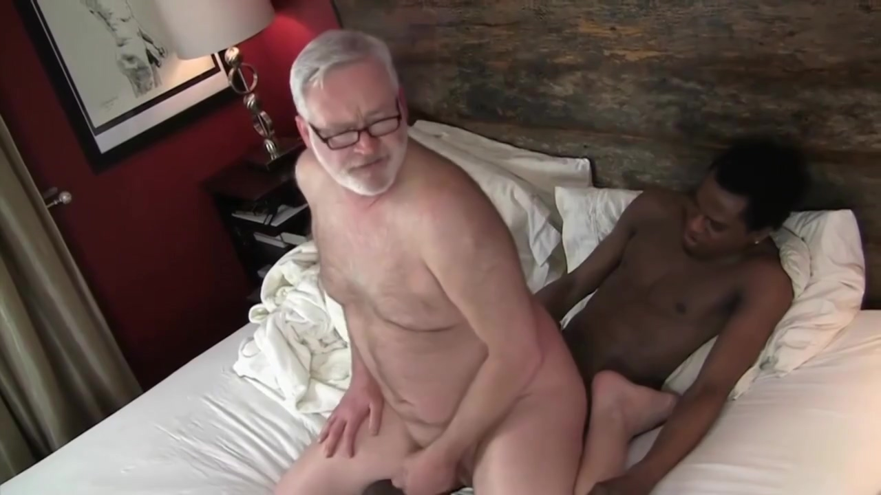Old Daddy Fucks Young Black Girl fucked hard during massage