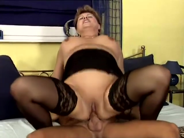 Mature fuck on the lunch time Brenda raganot