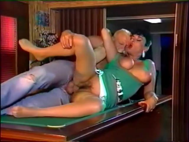 Elodie Cherie - La patronne du Bistro Nudeperfect com