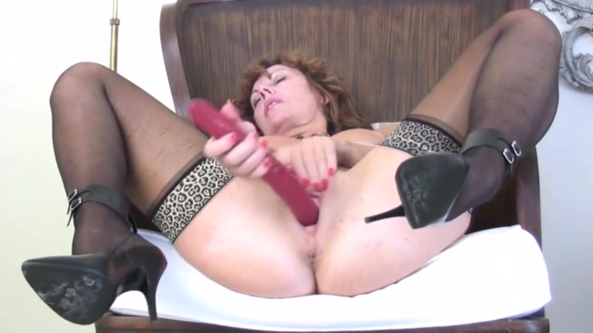 Mature UK Redhead strips and plays with herself for you. levi jeans female porn videos