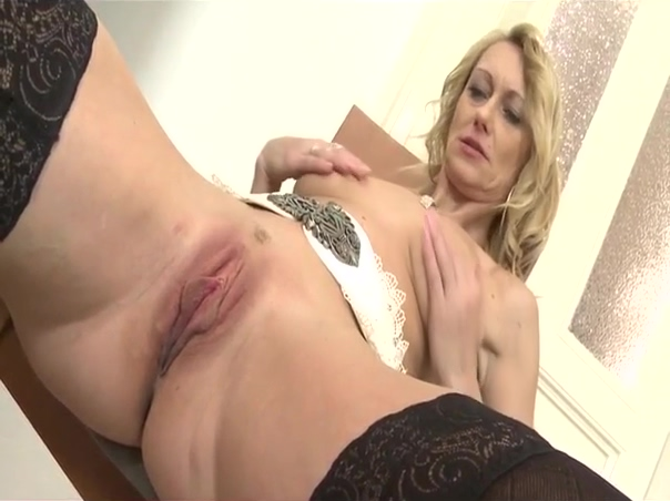 Blonde mature strip and play