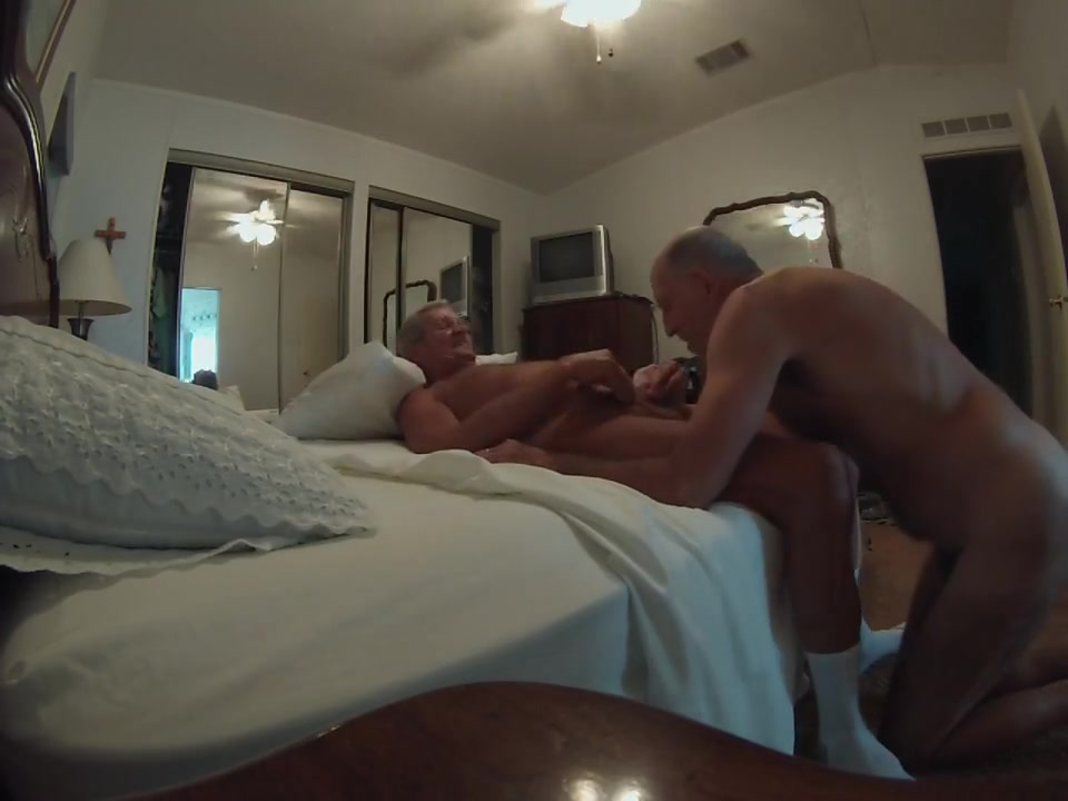 Bruce sucks a ding-dong Genuine amateur mature video