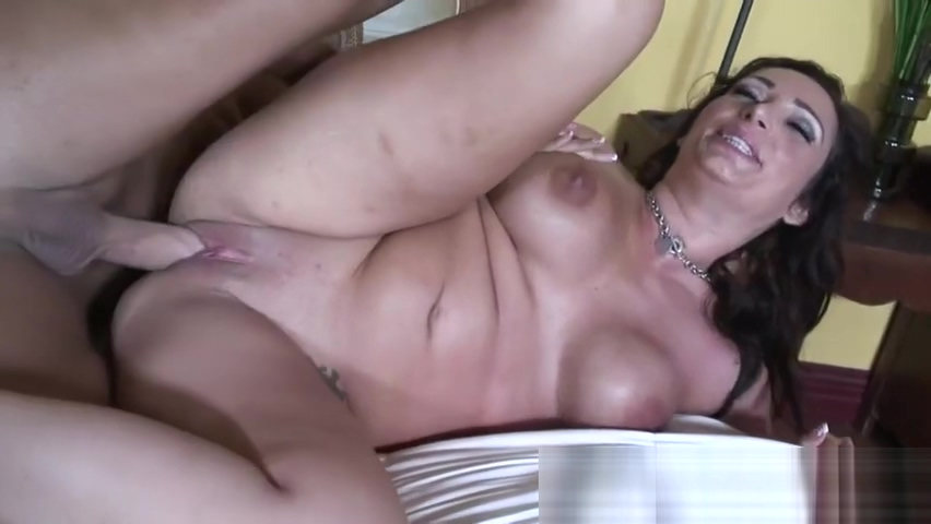 Milf Vannah Sterling Opens Up Her Goo Hole
