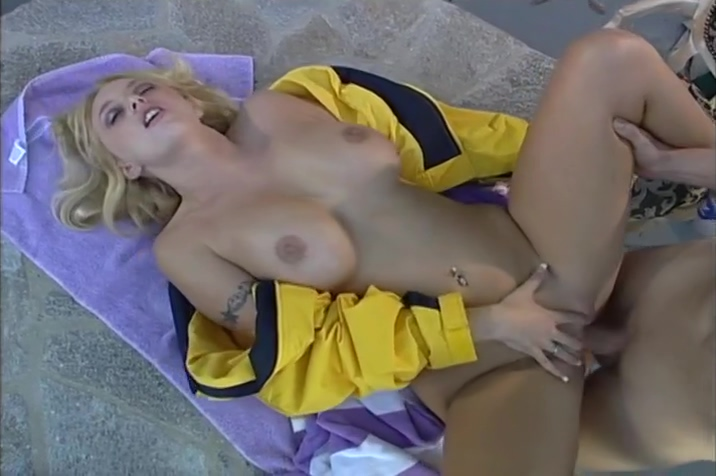 Beach Chair Threeway With Brittney Skye And Sondra Hall Highest sex rate in the world