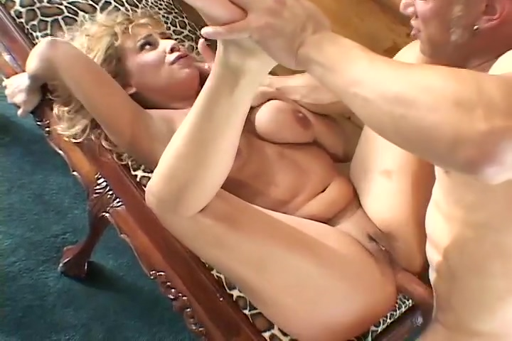 Pretty Blonde Lennox Likes To Get Fucked In The Ass rent a pornstar canada