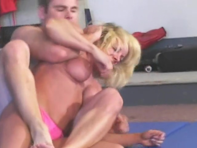 Michelle vs Tom 2 Filipina hairy pussy fuck