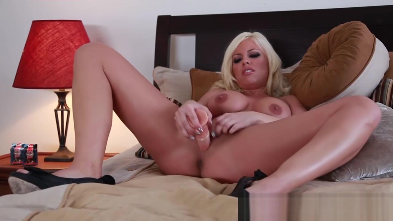 HotGVibe pornstar standoff