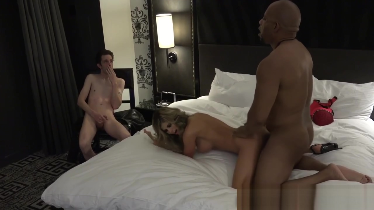 Slutty wife rides bbc Foottjob For Money