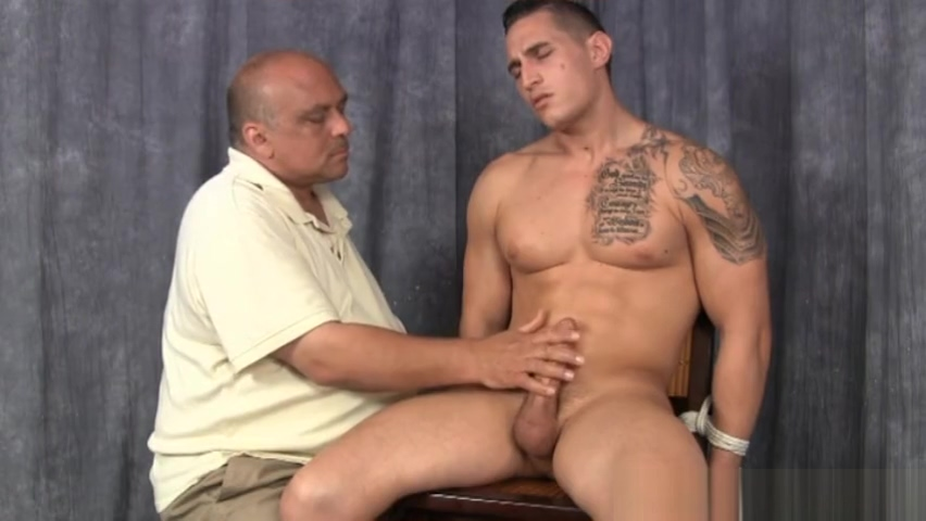 Latino Muscle Edged movies porn sex toilet tube