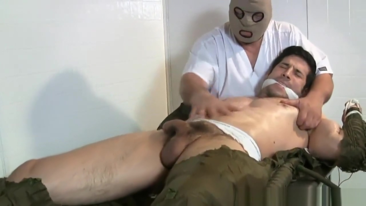 Leo Tickled - Male Tickling Vore porn flash
