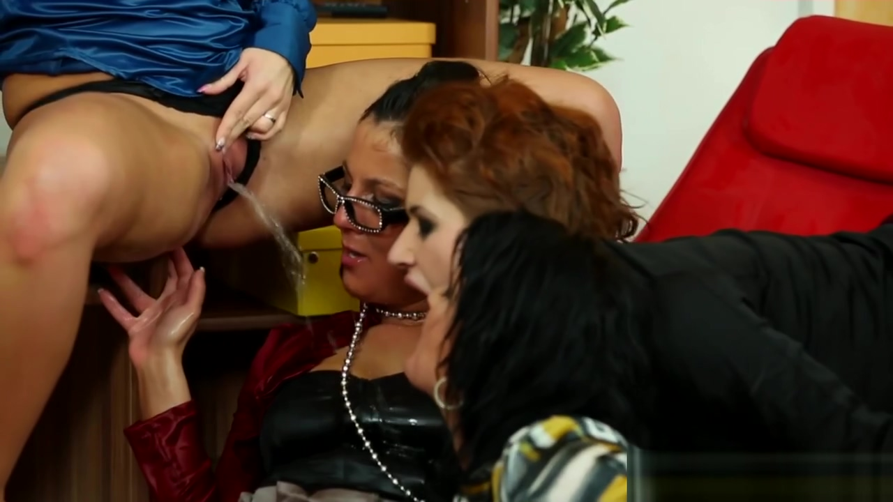 Pissing babes cockriding in group
